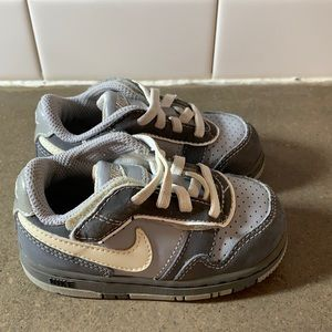 Nike Air toddler size 6 sneakers